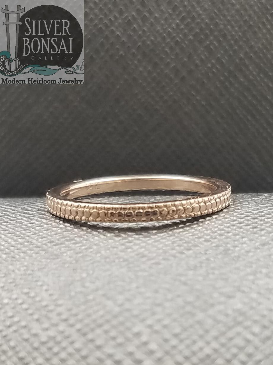 1.5 mm Beaded scroll band