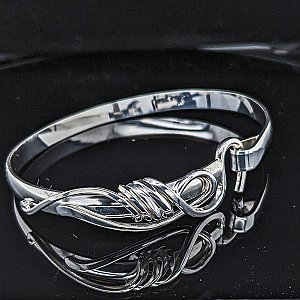 Artist's Choice Forged Hook Tier 3 Bracelet