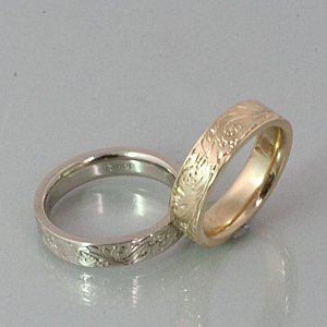 Scroll Engraved Wedding Band