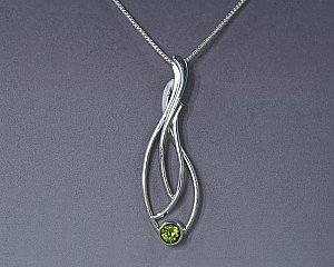 Peridot Silver Seagrass Necklace